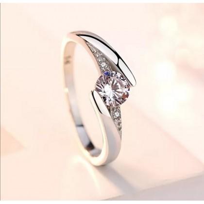 Sera 925 Sterling Silver Fashion Ladies Ring LR50
