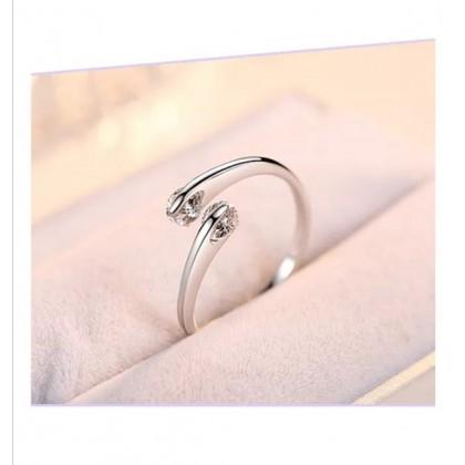 925 Sterling Silver Fashion Ladies Ring LRO12