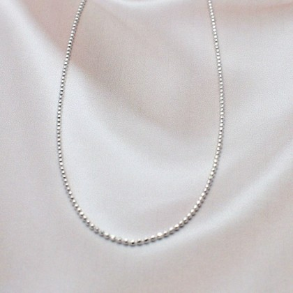 Sera 925 Sterling Silver Bead Cut Chain Necklace