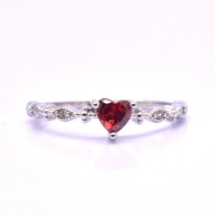 925 Sterling Silver Fashion Ladies Ring LR96