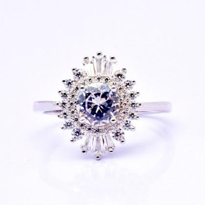925 Sterling Silver Fashion Ladies Ring LRL06